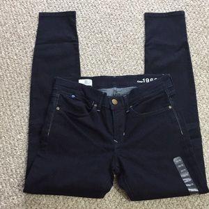 NWOT GAP 1969 size 30/10 legging jeans